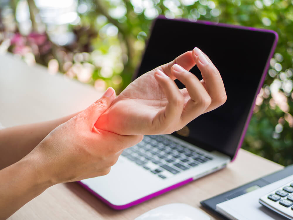 Taking Care of Carpal Tunnel Pain | Advent Physical Therapy